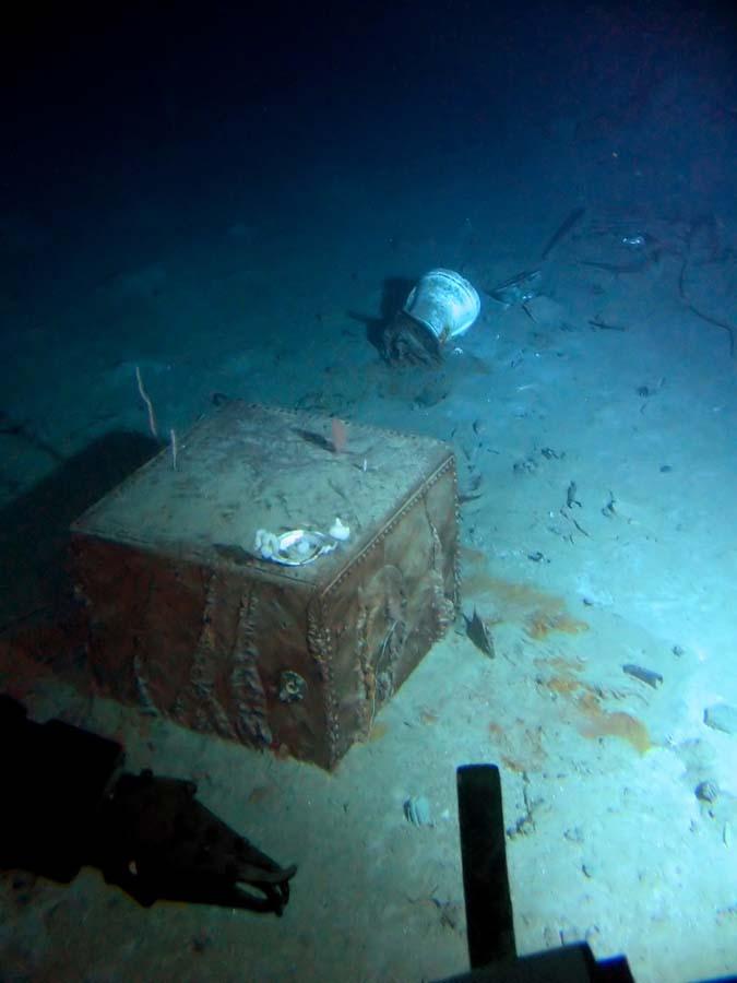 Titanic wreck gallery.
